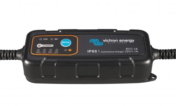 Chargeur batterie VICTRON ENERGY Blue Power 6/12V 1.1A pour moto/voiture
